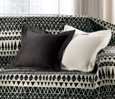 Μαξιλαράκι φιγούρας KY-BLO Black &White  50x50